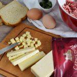 Filetes rusos con queso cheddar en salsa 1