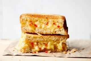 Tostada picante de queso